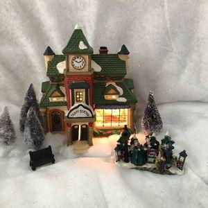 Christmas train station decor mint!